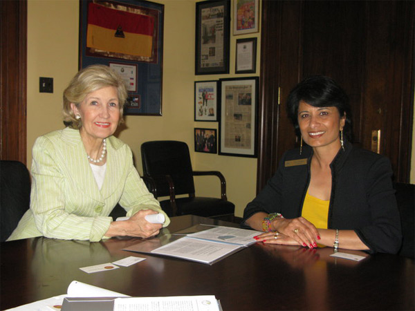 Renu Khator and Senator Kay Bailey Hutchison