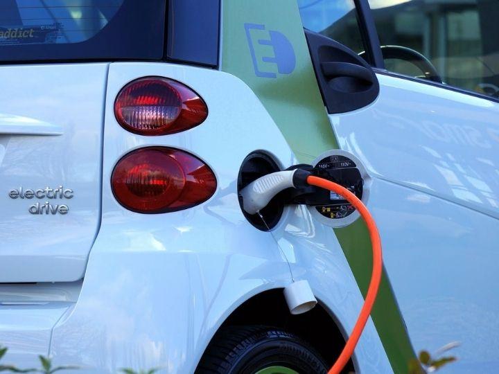 Electric car - Pexels