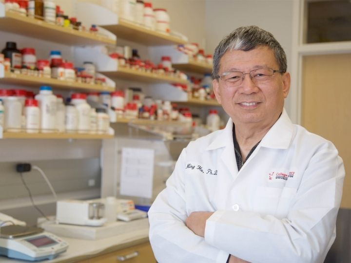 Ming Hu, Diana S-L. Chow Endowed Professor of Drug Discovery and Development at the UH College of Pharmacy